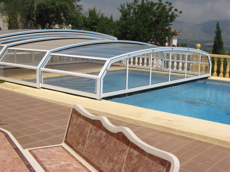 Choisir abri piscine fabricant abris piscines devis for Piscine pour nager