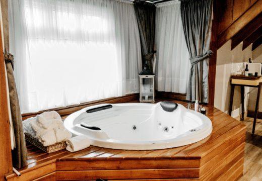 L'abri de spa : en bois ou en aluminium ?