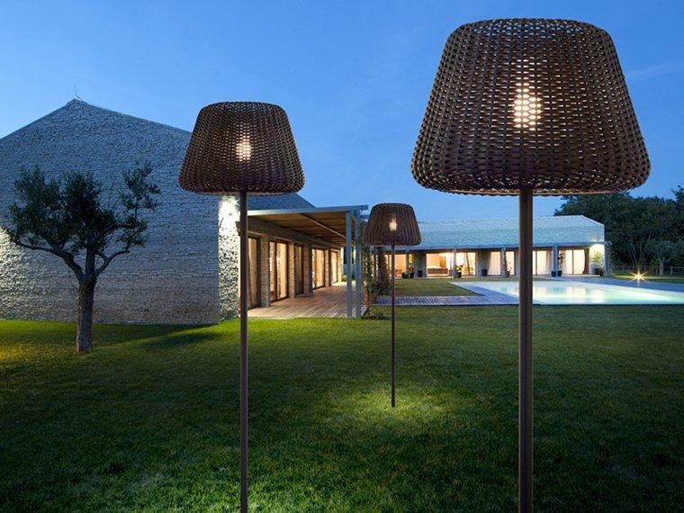Des luminaires extérieurs pour sublimer le jardinMon Coach Jardin