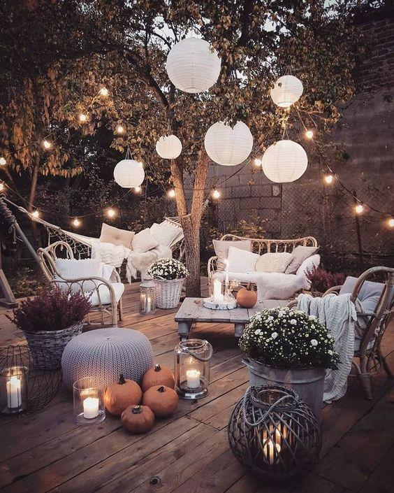 Déco de mariage dans un jardin